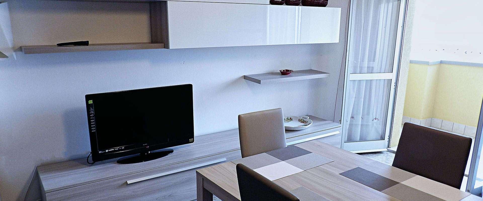 Appartamenti estivi in affitto a senigallia in riva al mare for Monolocali arredati in affitto